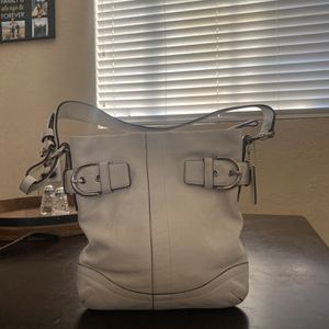 White Leather Coach Purse for Sale in Scottsdale, AZ