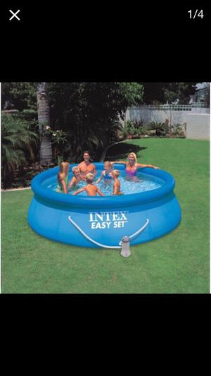 Pool in good condition with the ladder and water filter 12X36 inches for Sale in Renton, WA