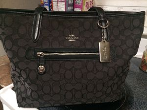 Coach purse for Sale in Detroit, MI