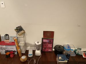 Humidifier, mixie, vegetable chopper, crockpot and much more! GARAGE SALE for Sale in Chicago, IL