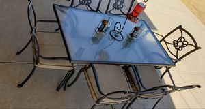 7 piece metal and glass patio set $264.00 for Sale in Menifee, CA