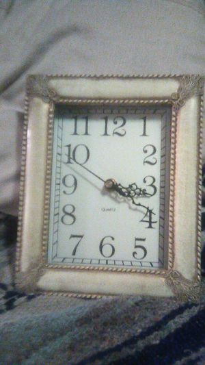 Small quartz wall clock for Sale in Everett, WA