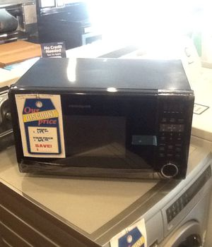 New open box frigidaire microwave 1.1 cu ft FFCM1134LB for Sale in Hawthorne, CA