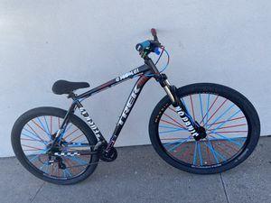 Custom Trek/C100 Wheeling Bike 29 Inch for Sale in Cranston, RI