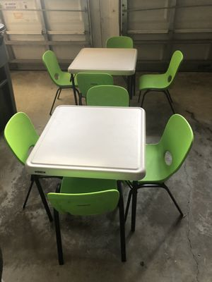 1 table and 4 chairs for kids for Sale in Delray Beach, FL