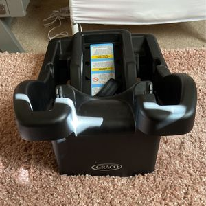 Graco Car seat Base for Sale in Daly City, CA