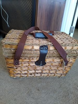 Brand new picnic basket with built in cooler for Sale in Los Angeles, CA