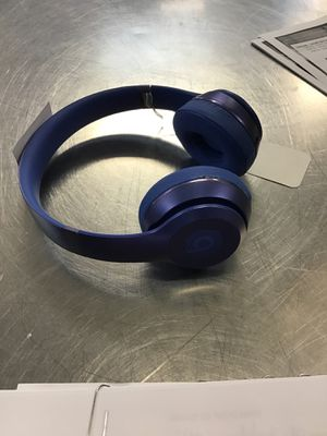 Beats solo headphones for Sale in Evanston, IL