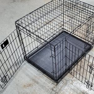Foldable Crate/ Double Door +Divider for Sale in Waldorf, MD