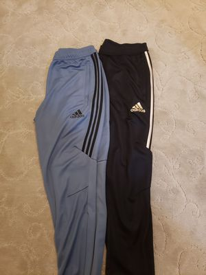 adidas Men's Essentials Performance Logo Pants, Size Medium - training climacool for Sale in Vernon Hills, IL