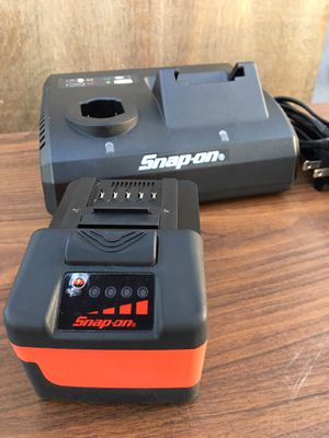Snap on 18v Monster Lithium Battery 🔋 and 18v &14.4v Dual Charger 🔌 (((( $220 obo ))))) ❗️NEW ❗️Battery only has 1 Charge Cycle ❗️ for Sale in Riverside, CA