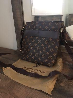 Luxury crossbody for Sale in Woodland Hills, CA