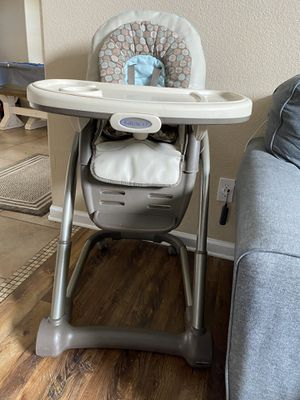 Graco high chair for Sale in Fort Worth, TX