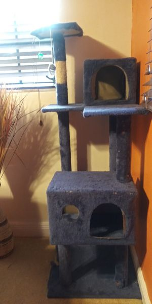Cat tree for Sale in Three Lakes, FL