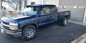 1999 chevy Silverado 2wd 168000 miles for Sale in Bolingbrook, IL