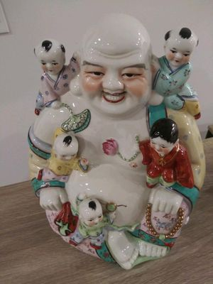 Asian figurine for Sale in Plainfield, NJ