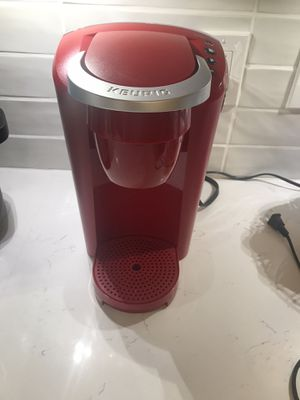 Red Keurig coffee machine with coffee for Sale in Fort Lauderdale, FL