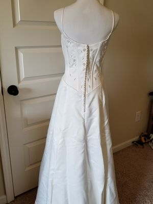 Paloma Blanca Wedding Gown - Beautiful White Wedding Dress - Size 8 for Sale in Simpsonville, SC