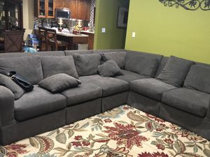 couch for Sale in Miami Gardens, FL