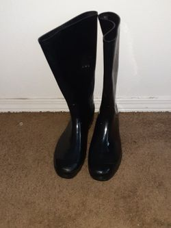 Selling Rubber Boots For 5$ for Sale in Yakima,  WA