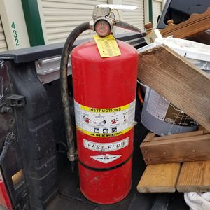 30 lb Fire extinguisher for Sale in Merkel, TX