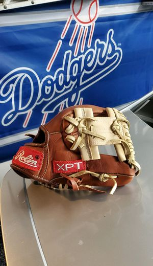 NEW ROLIN XPT BASEBALL GLOVE for Sale in Victorville, CA