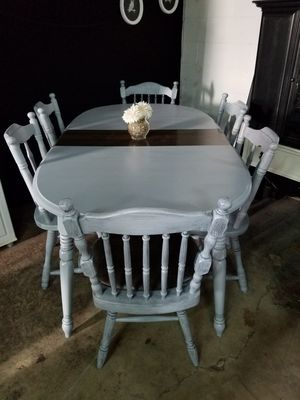 Dining table for Sale in Latrobe, PA