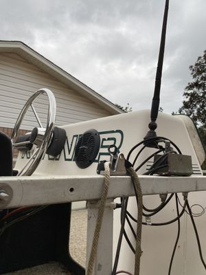 1986 pontoon carburetor needs fixed $5000 obo for Sale in Milton, FL