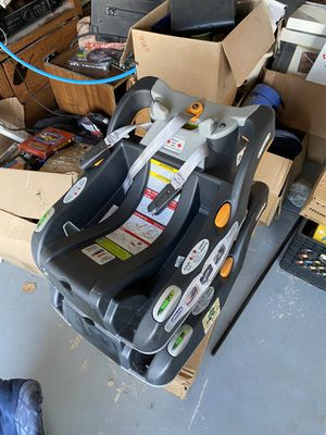 Car seat with 2 bases for Sale in Murrieta, CA
