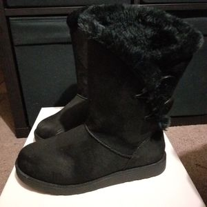 Kohl's Junebug boots for Sale in San Bernardino, CA