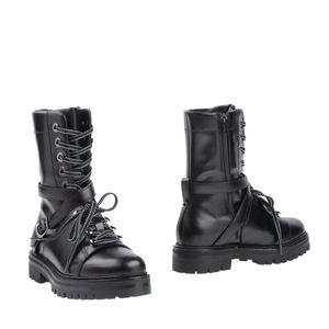 Valentino Black Garavani Rockstud Combat Solid Lace Up Boots/Booties for Sale for sale  Edison, NJ