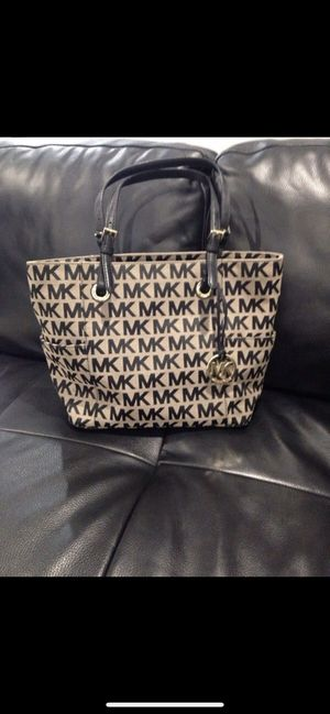 Michael Kors Purse / Handbag I-1206. Almost new MINT for Sale in Hialeah, FL