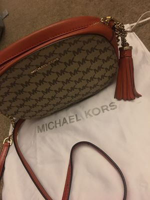 Michael Kors Crossbody bag for Sale in Columbus, OH
