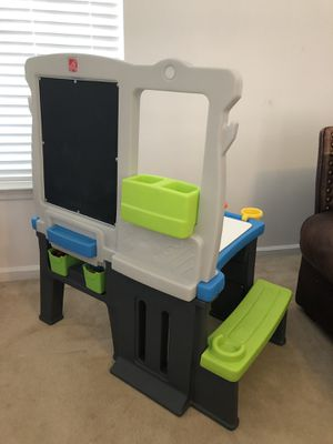 Step 2 kids desk for Sale in Clayton, NC