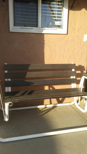 🏡Porch Glider Swing 🏡 Recently painted $30obo ✈Pickup in Anaheim 92804 for Sale in Anaheim, CA