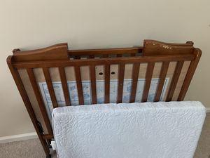 Portable baby crib with mattress & sheets for Sale in Alpharetta, GA