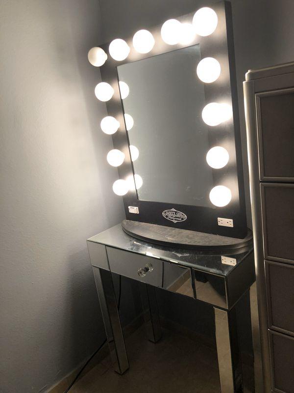 Makeup vanity mirror