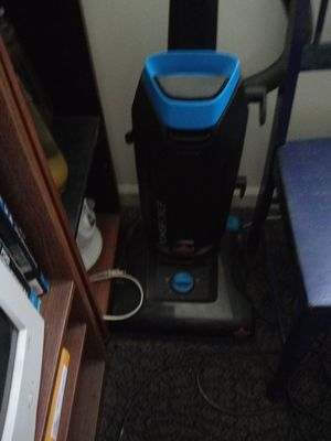 Almost new Bissell vacuum for Sale in Hendersonville, TN