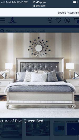 Diva bedroom set Queen siZe for Sale in Denver, CO