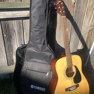 Yamaha Eterna EF31 Acoustic Guitar And Gig Bag for Sale in San Ramon, CA