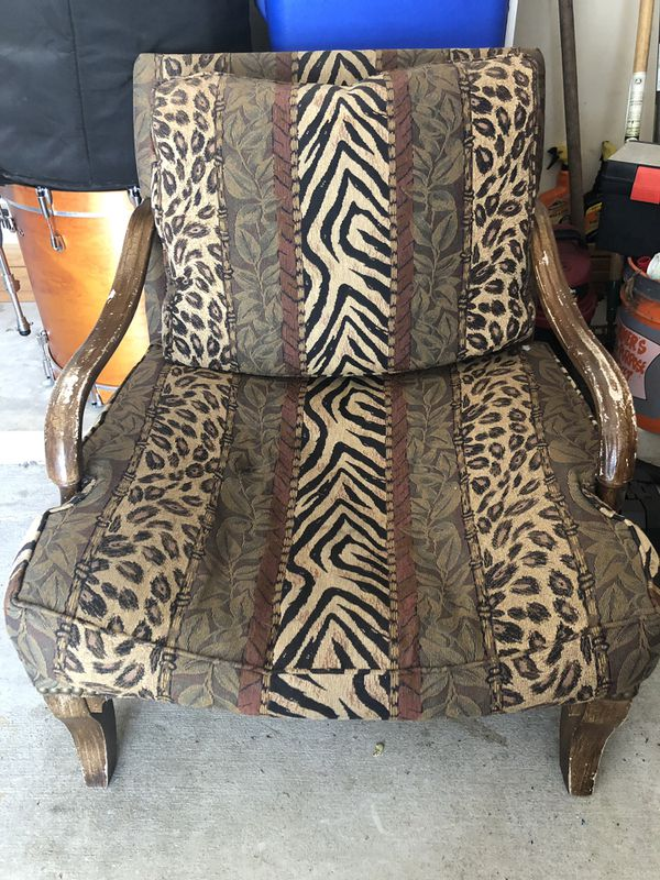 TWO BIG COMFY CHAIRS FOR SALE!
