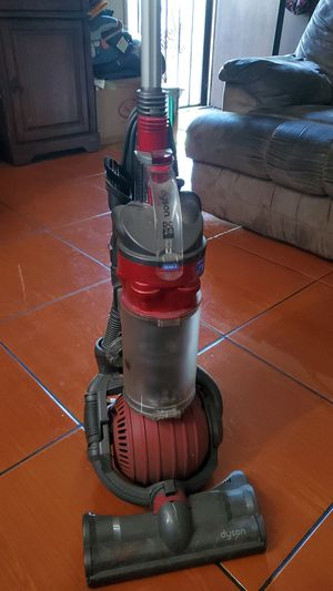 Dyson vacuum for Parts or Repair. for Sale in Bell Gardens, CA