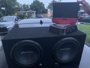 2 10s a amp and equalizer $200 pioneer for Sale in Boynton Beach, FL