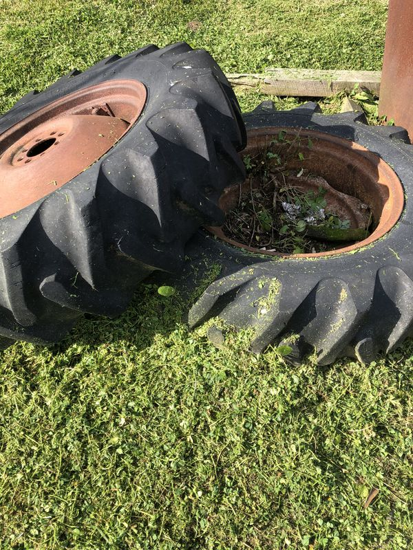 """Tractor tires. 13.6-28 on 12""""rims 12-28"""
