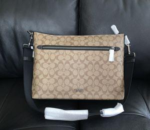 Coach Soft Messenger Bag in Signature for Sale in Ashwaubenon, WI