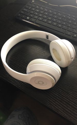 Beats solo headphones for Sale in Margate, FL