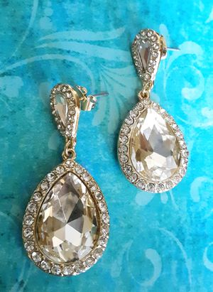 Shipping Only: New goldtone faux diamond earrings with acrylic and crystals (1 1/2 inches long) for Sale in Fullerton, CA