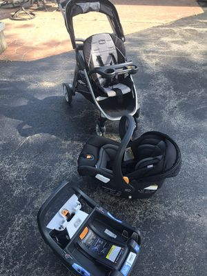 Chicco Bravo for2 and Fit2 car seat and base for Sale in Wind Lake, WI