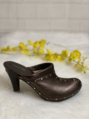 Michael Kors Leather Pumps Clogs Booties Bronze Wood Studded Womens Size 8.5 for Sale in Honolulu, HI