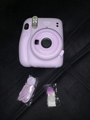 BRAND NEW Instax Mini 11 Instant Camera - Lilac Purple for Sale in Nuevo, CA